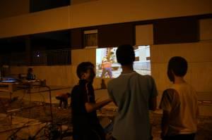 Projection le soir avec les habitants